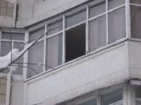 Спасаясь от собутыльника с ножом, киевлянин выпрыгнул с седьмого этажа и выжил