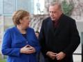 Эрдоган обсудил с Меркель проблему беженцев