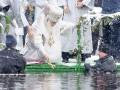 Как киевляне на Крещение в прорубь прыгали
