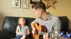 Отец поет дуэтом с 4-летней дочкой
