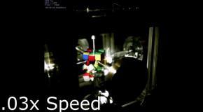 Сбор кубика Рубика роботом в замедленном действии