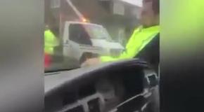 Не закрыл дверцу машины - ветер-с!