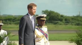 Принц Гарри прилетел в Антигуа и Барбуда