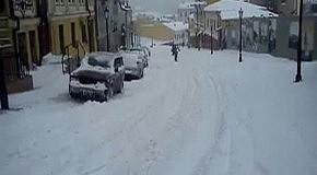 На сноуборде по Андреевскому спуску (Киев, 23 марта 2013)
