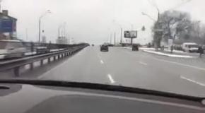 В центре Киева водитель промчался на скорости 220 км/ч