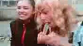 Блондинка и презерватив