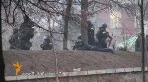 Снайперы стреляют в активистов Евромайдана боевыми патронами