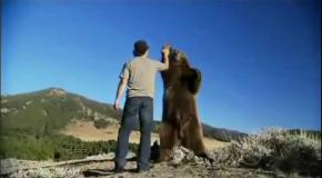 Чудо-дружба человека и медведя.