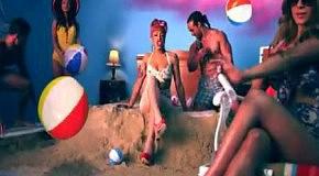 StooShe - Love Me feat Travie McCoy