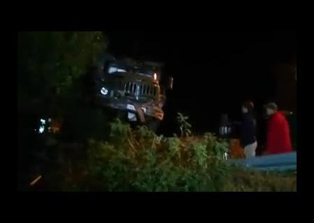 ВХарькове фургон приземлился на дом