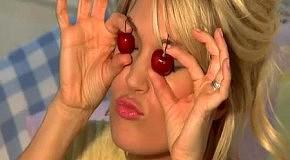 Carrie Underwood на обложке Glamour