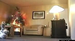 Как сгорает квартира от одной новогодней елки