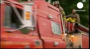 В Канаде поезд с нефтью сошел с рельсов и взорвался