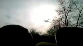 Низколетящий транспортный ИЛ-76 напугал жителей города Оренбурга