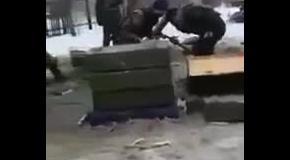 Чеченцы стреляют из минометов на Донбассе