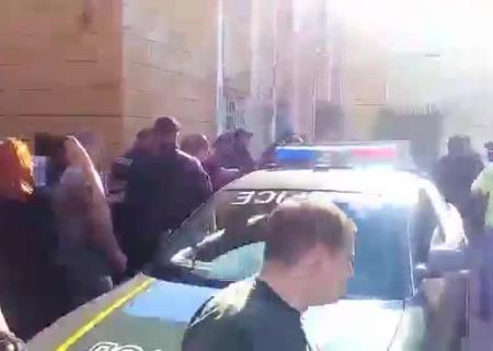 ВЧерноморске юрист обвиняемых поделу «2мая» ударил электрошокером активистов