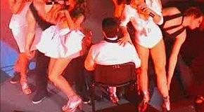 Жесть! Во время выступления «REAL O» на сцену выбежал...