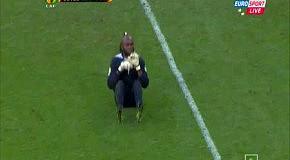 Празднование гола вратарем сборной Конго стало хитом Кубка Африки