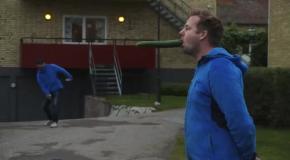 Пинг-понг трюк с огурцом во рту
