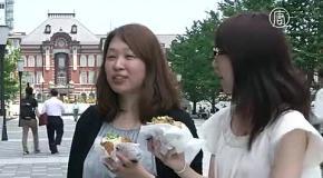Зачем по Токио идут люди в древних японских костюмах