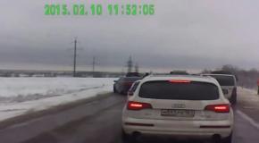 Группа пьяных сепаратистов прорвалась из Луганска в Россию