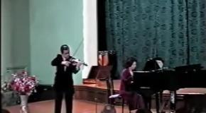 """Играет Евгений Орлов П.И.Чайковский """"Мелодия"""""""