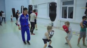 Открытая тренировка по боксу для детей и взрослых. Спарринг, отработка ударов, заминка