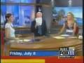 Блондинка с собакой на телевидении