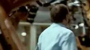 Борьба с дублями: самая провокационная реклама за 50 лет