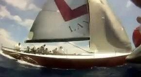 Невероятный разворот на яхте