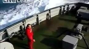 Транспортировка огромного судна