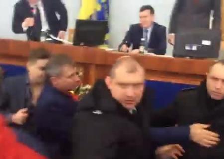 ВКиевгорсовете произошла драка депутатов