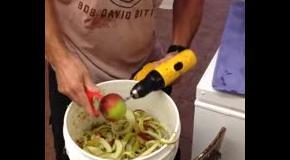 Скоростная чистка кожуры яблок