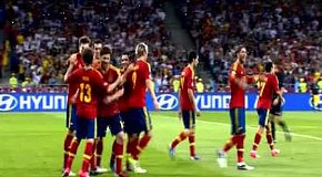 Испания - Италия (4-0, Мата 88)