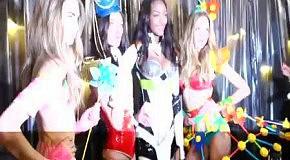 Victoria's Secret Fashion Show 2012: лучшие моменты