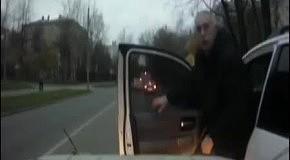 Член правительства Москвы с ножом