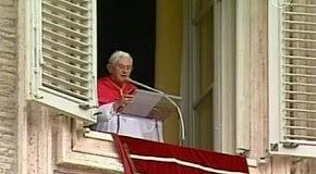 Папа Римский молится за мир в Кыргызстане