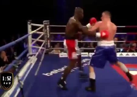 Следующий бой Александр Усик вероятно проведёт вандеркарде Хопкинс vsСмит