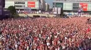 Сумасшедшие фанаты в Варшаве