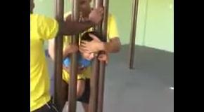 «Спасение» застрявшего ребенка