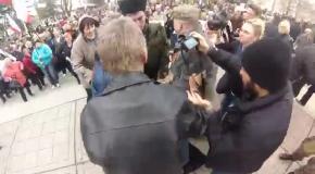 Получили сполна: FEMEN избили в Симферополе пророссийские активисты