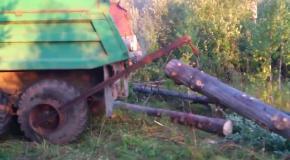 Простой способ забросить тяжелое бревно в кузов грузовика