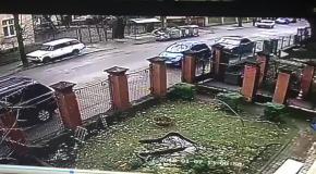 Львовянка катала полицейского на капоте