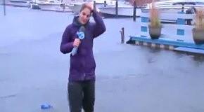 Телерепортеры против урагана Сэнди