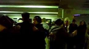Киевские пенсионеры уже 30 лет танцуют в подземном переходе