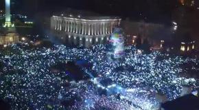 Гимн Украины в Новогоднюю ночь на Евромайдане