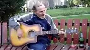 Дед играет Rock&Roll