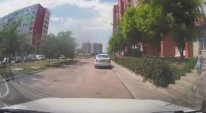 Мамы, не бросайте детей под машины