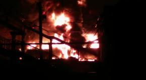 Взрыв и пожар на станции Шебелинка в Харьковской области - YouTube [720p]