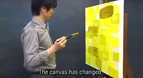 Корейский художник кричит на краску